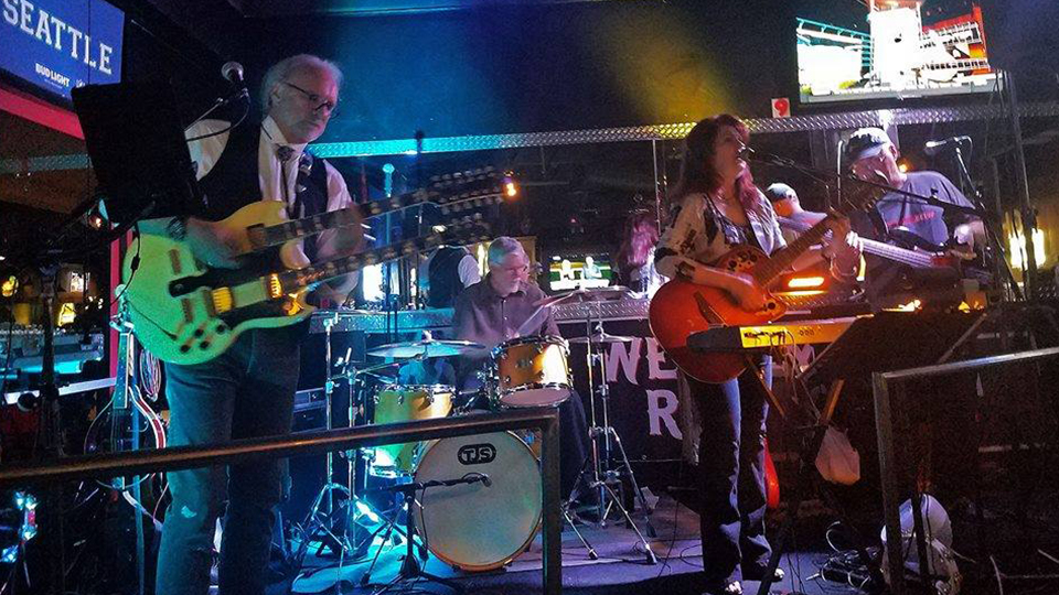 Friday October 15th 2021 Live Music Phoenix with Cover Ups Band at Kimmyz Tatum Point